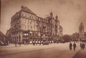 Kaffeehaus Trömel mit Anbau - fertiggestellt 1910